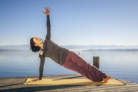 Vasisthasana (Side Plank Pose)